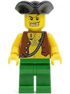 pi097G Piraat met vest en anker tattoo, baardstoppels, zwarte driehoekige hoed gebruikt loc