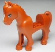 93083c01pb01-68 Friends paard Blauwe ogen, witte bles oranje, donker NIEUW *5K000