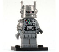 col01-7 Robot met voetstuk NIEUW loc