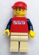 cty0084G Rode cap, rood haar, rood shirt met 3 zilveren logo's, crème benen gebruikt loc