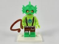 coltlm2-10 Swamp Creature met zweep en standaard NIEUW *0M0000
