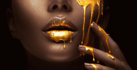 Poster, Picături de aur