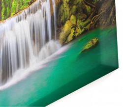 Tablou modular, Cascada și pădurea verde.