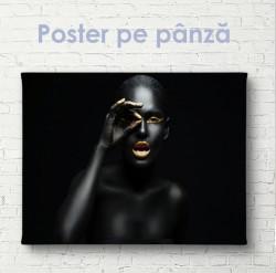 Poster, Fată cu elemente aurii