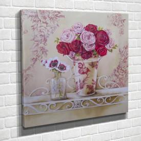 Poster, Flori roz într-o vază pe masă