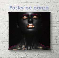 Poster, Portretul unei fete cu pielea închisă la culoare cu machiaj colorat