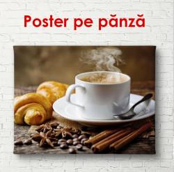Poster, Ceașcă cu cafea și croissant pe masă