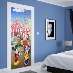 Stickere 3D pentru uși, Mini și Mickey Mouse în parcul de distracții, 1 foaie de 80 x 200 cm