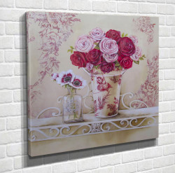 Tablouri Canvas, Flori roz într-o vază pe masă