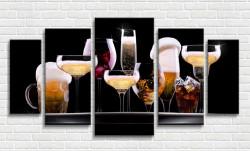 Tablou modular, Set de diverse băuturi pe fundal negru
