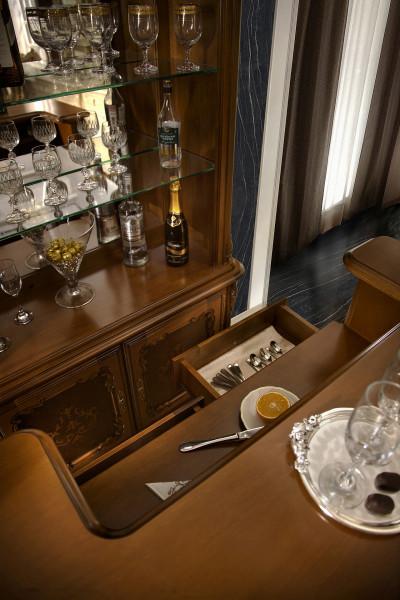 Bar din lemn masiv pentru acasa si restaurant elegant, luxos in stil clasic MDBA-1