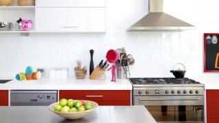 Cum cureti hota de la bucatarie