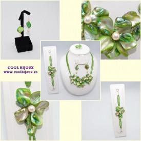 Set bijuterii cu sidef si perle SWAROVSKI ELEMENTS - green