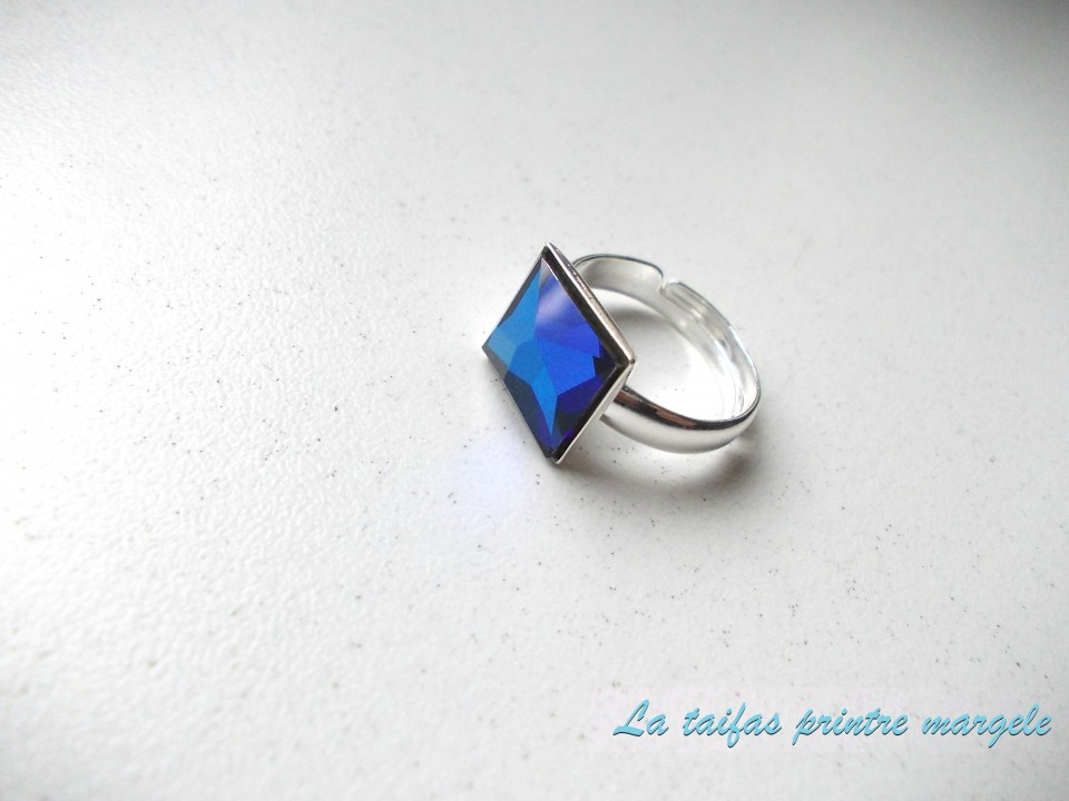 36fd235015596 Strerling silver earrings and ajustable ring with square-shaped Swarovski  Crystals Bermuda Blue
