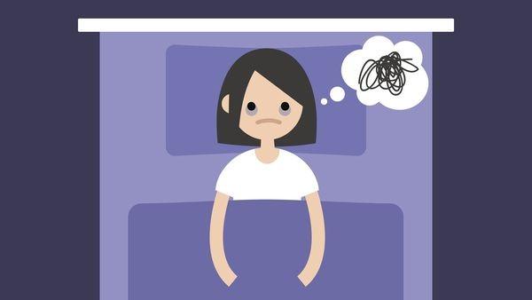 Insomnie: alimente pe care să nu le consumi înainte de culcare