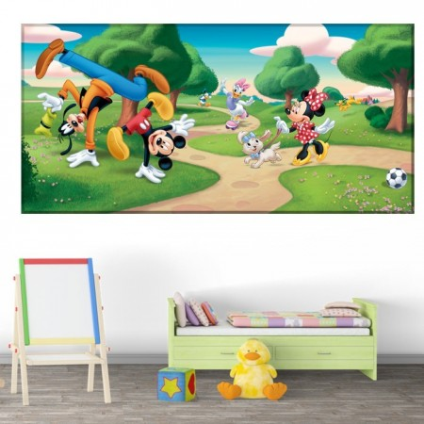 Tablou Canvas Mickey si Prietenii la Joaca in Parc DEB9