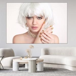 Tablou Canvas Femeie cu Par Blond si Unghii Aurii BGM14B