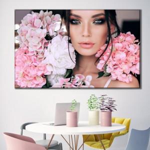 Tablou Canvas Femeie Cu Flori si Smokey Eyes BGM41