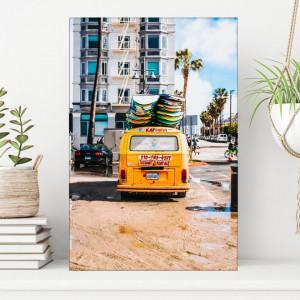 Tablou Minibus Galben cu Placi de Surf OCC10