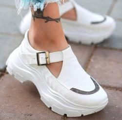 Pantofi dama albi COD:K221A