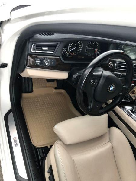 Covoare / Covorase / Presuri cauciuc tip stil tavita Crem BMW seria 7 F01 fabricatie 2008-2015
