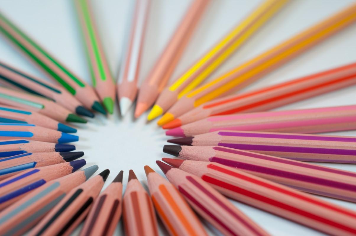 De ce coloratul este minunat pentru copii și adulți?