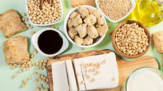 Soia o leguminoasa foarte bogata in proteine, vitamine si minerale