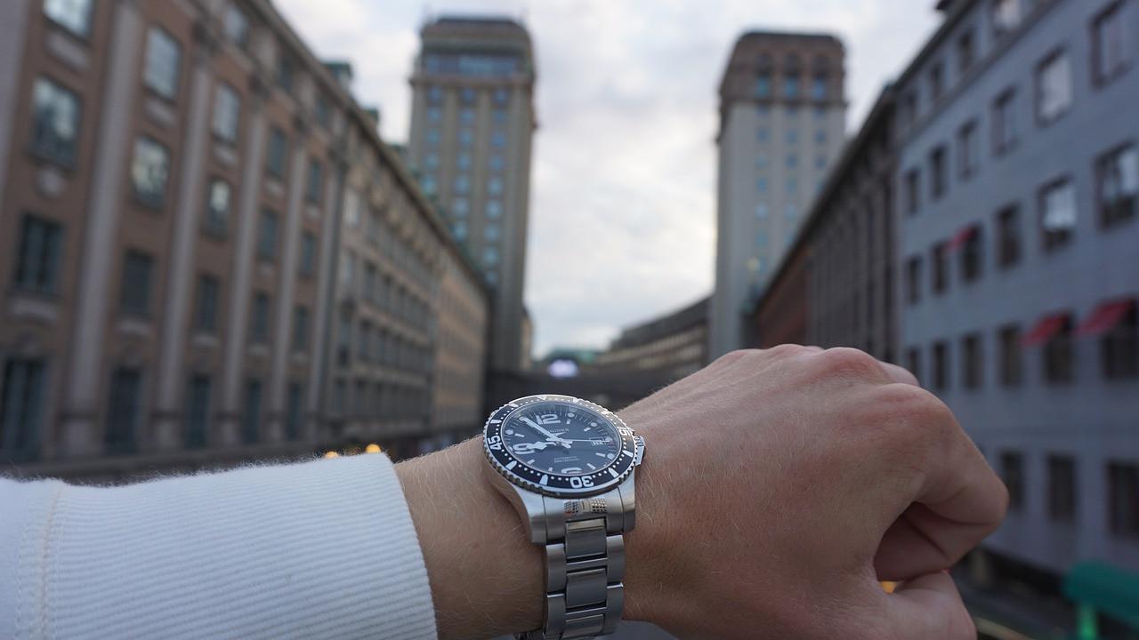Care sunt principalele avantaje pe care le oferă achiziția de ceasuri de mână online pe PretzMic.ro