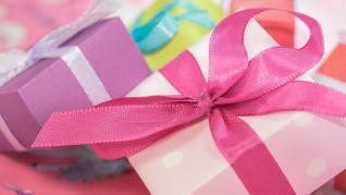 Cadouri de Crăciun. A oferi cadouri cu suflet - generozitate cu mesaje la pachet