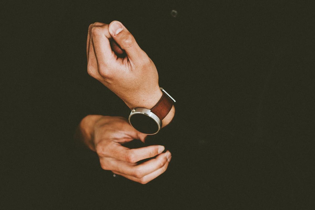 Cum să NU cumperi un ceas de mână online - greșeli de evitat