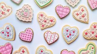 Cadouri de Valentine`s Day, Dragobete, 1 si 8 Martie, pentru Ea, dar și pentru El