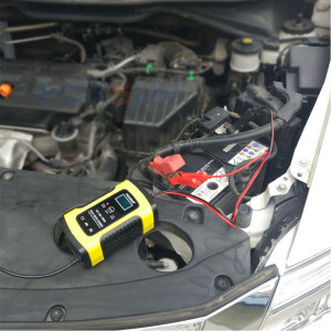 Redresor smart acumulatori auto - moto ,12V, 4ah-100ah cu display , 6A viteza maxima incarcare , inteligent , functie de reparare acumulator prin impulsuri si posibilitate incarcare baterie direct pe masina, inclusiv cu start -stop