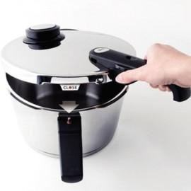 Oala sub presiune Fissler VitaVit Premium, capacitate 2,5 Litri, diametru 18 cm, accesoriu aburi, inductie