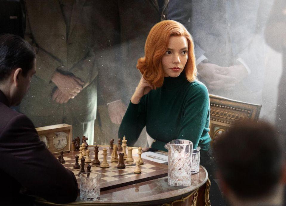 Cum să îți amenajezi sufrageria în stilul Queen's Gambit