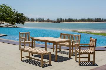 Set 2 scaune, 2 banchete si masa pentru gradina din lemn de tec