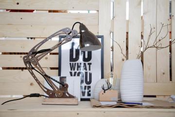 Lampa de birou din lemn Merop, bej