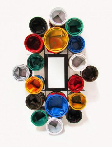 Oglinda cu rama din cutie de vopsea multicolore THIS & THAT, 60 x 17 x 80 cm