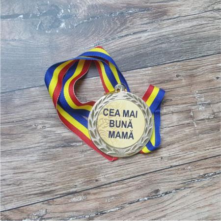 "Medalie "" Cea mai buna mama"""