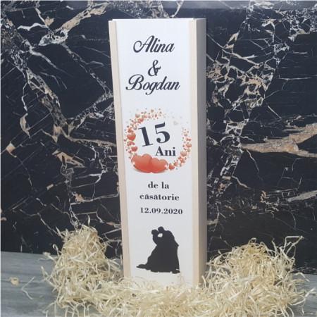 Cutie de vin personalizata cu anii de la casatorie