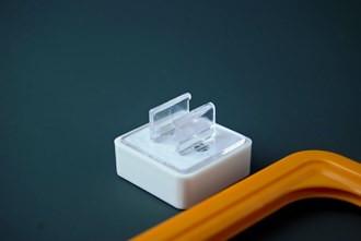 Accesoriu magnetic perpendicular pentru rame plastic