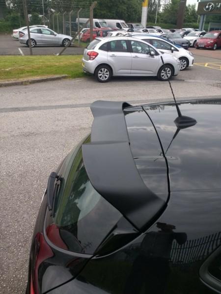 Imagens Aileron Renault Clio 4 RS