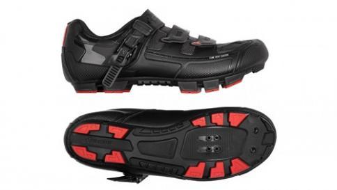 Alegerea pantofilor potriviti pentru mersul cu bicicleta