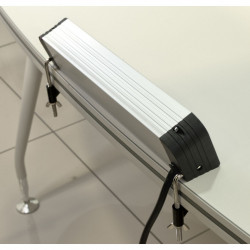 Prelungitor din aluminiu 3 prize schuko 16A 230V + 2xUSB 2,1A/5V cu prindere pe birou
