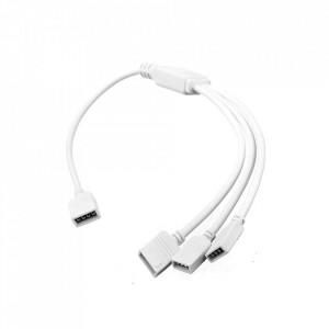 Splitter led RGB 1 intrare - 3 iesiri, cablu 30 cm