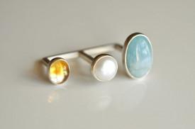 90° inel deschis din argint cu acvamarin, citrin si perla de cultura alba pentru doua degete