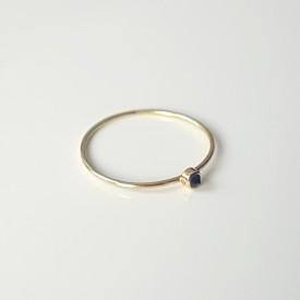 Minimalist 18k gold ring with blue sapphire Corina Mardari