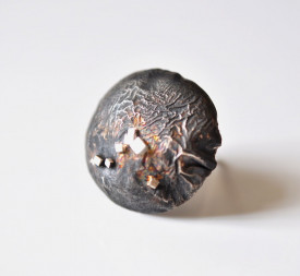 Inel Mimesis, in design contemporan, realizat manual din argint reticulat si oxidat, Corina Mardari