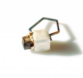 Inel in design contemporan din argint reticulat si oxidat, realizat manual, prin constructie, Corina Mardari