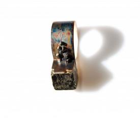 Inel din argint oxidat in design contemporan, cu cristal cubic de pirita, Corina Mardari