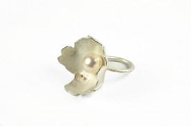 inel moon flowerdin argint si aur 18k cu perle de cultura